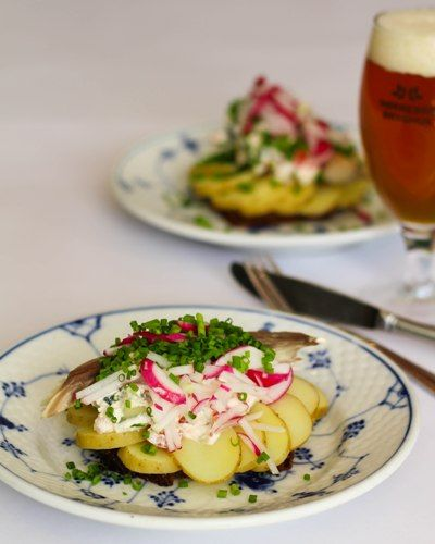Smørrebrød, Frokost, Restaurant Kronborg, Kartoffelmad, Opskrift, Rygeost, Sommersalat