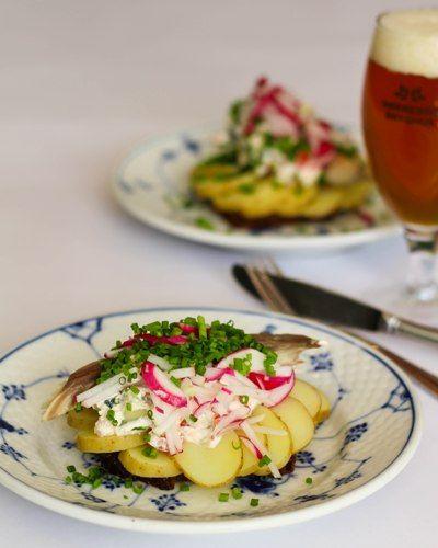 Smørrebrød, Lunch, Restaurant Kronborg, Potato sandwich, Recipe, Summer salad