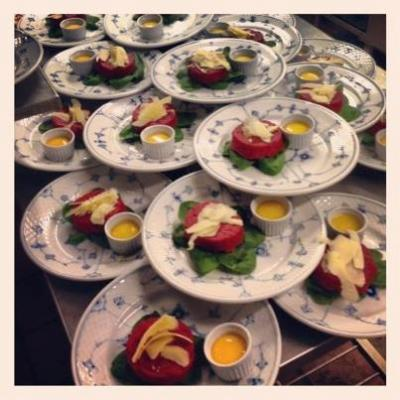 'Smørrebrød' is a tasty option for private parties in the evening. Scraped raw beef on rye bread, pan-fried in butter, with crisp spinach leaves, raw egg yolks and Vesterhavsost are very popular, when we have private parties at Restaurant Kronborg.