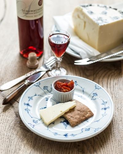 høost naturmælk hybenkompot frokost restaurant kronborg copenhagen cooking