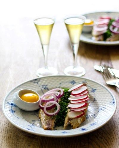 sol over gudhjem smørrebrød restaurant kronborg klassisk traditionel københavn frokost