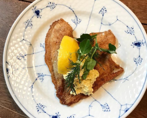 Rødspættefilet fiskefilet remoulade smørstegt thomas alcayaga madetmere guide frokost restaurant kronborg københavn