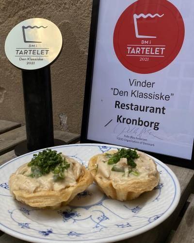 Danmarks bedste dm tartelet klassisk traditionel høns i asparges københavn frokost restaurant kronborg