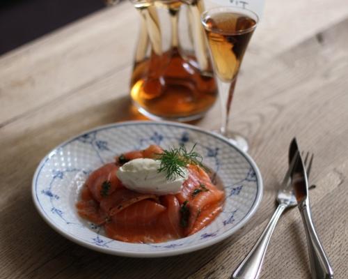gravet laks smørrebrød opskrift frokost restaurant kronborg købehavn