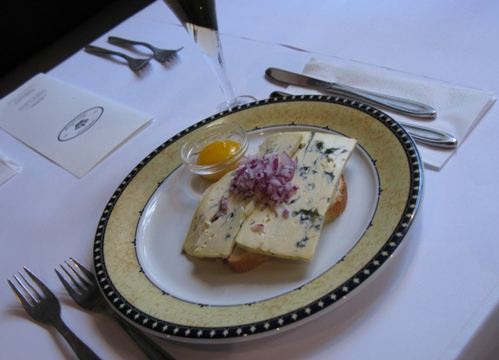 Blå Kornblomst is a mild, creamy and flavourful blue cheese. It is produced by Thise Mejeri, which emphasizes organic and sustainable products without compromising on flavour and quality.